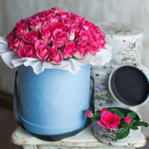45 розовых роз в шляпной коробке R568