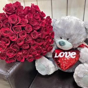 Букет 51 красная роза и мишка средний R1958