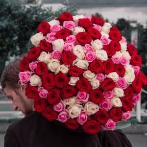 101 роза микс с оформлением R883