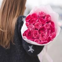 Букет 19 пионовидных роз с упаковкой R429