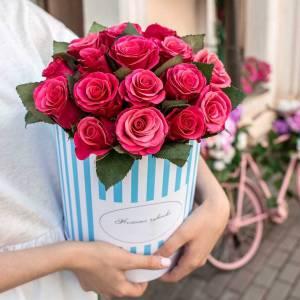 19 розовых роз в коробке R464